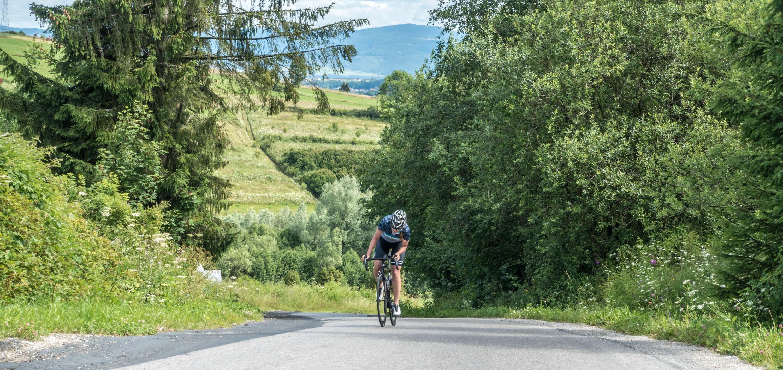 Lekki rower ma takie plusy, że łatwiej się go wnosi w sytuacji awaryjnej